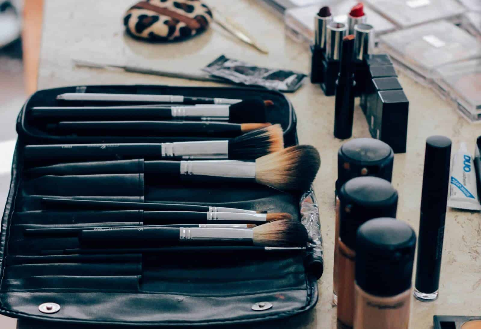 Bag of make up, express yourself, be creative